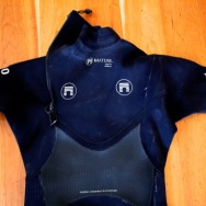 Matuse TUMO 4:3:2 Steamer Wetsuit Review | CompareSurfboards.com
