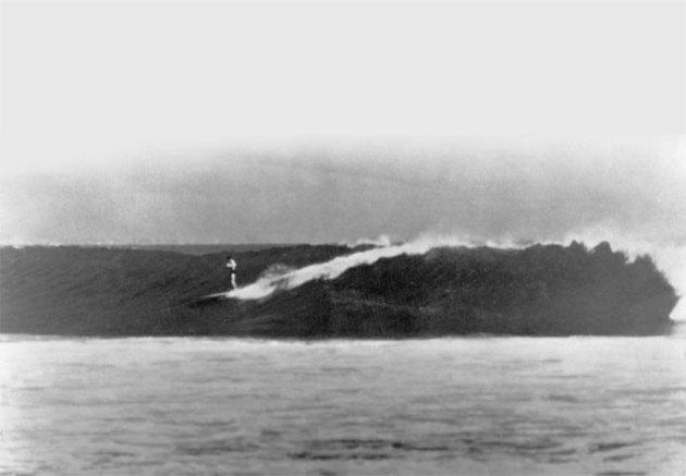 Bob Simmons Surfing Big Malibu 1977 | Compare Surfboards